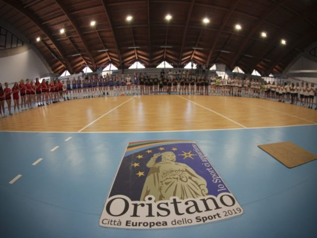 https://www.oristanosports.it/wp/wp-content/uploads/2019/06/tutte-le-squadre-partecipanti-al-sardegna-voleyball-challenge-foto-alessandro-tocco-gymland-640x480.jpg