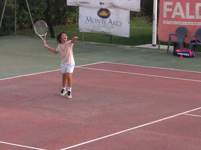 https://www.oristanosports.it/wp/wp-content/uploads/2019/07/le-finali-del-torneo-nazionale-sartiglia-di-tennis-1200x800-640x480.jpg
