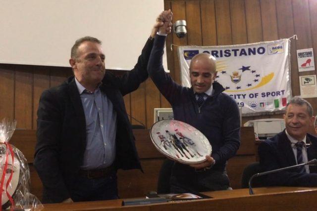 Tremila vittorie: Oristano premia il fantino Dario Vargiu per il suo record