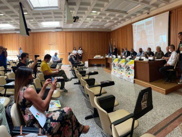 https://www.oristanosports.it/wp/wp-content/uploads/2021/07/la-conferenza-stampa-di-presentazione-della-settimana-ciclistica-italiana-1200x800-640x480.jpeg
