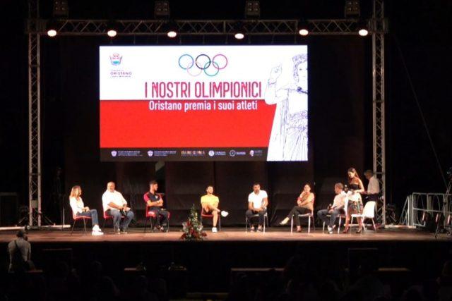 L'abbraccio di Oristano ai suoi campioni olimpici
